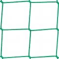 Siatki Opole - Siatka na piłkochwyt - 10x10 Siatka wykorzystywana na piłkochwyty wytwarzana jest z bardzo solidnego i trwałego materiału. To właśnie polipropylen sprawia, że są one odporne na uszkodzenia mechaniczne, wytrzymają każde naprężenia, nawet pod wpływem przyłożonej dużej siły. Wielkość oczek 10 x 10 cm i grubość siatki 3 mm sprawdzą się przy ochronie dużego boiska, orlika miejskiego czy stadionu, ale także mniejszego, przydomowego obiektu. Będą doskonałą ochroną dla sąsiadów, innych domów czy domowego ogródka. Raz założone sprawdzą się przez lata bez konieczności dodatkowej ochrony przez cały rok.