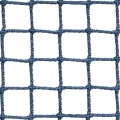 Siatki Opole - Siatka z małym oczkiem na boisko Niejednokrotnie ogrodzenie boiska wymaga użycia drobnej siatki, która zapewni ochronę trybun, a także posłuży jako warstwa wychwytująca nawet bardzo małego rozmiaru piłki. Do takich zadań służy siatka o niewielkich oczkach wielkości 2 x 2 cm i grubości sznurka z polipropylenu 2 mm. Jest to produkt niezastapiony w przypadku boisk, na których odbywają się rozgrywki, z użyciem przedmiotów o niewielkich wymiarach. Siatka jest również często używana jako zabezpieczenie widzów przed uszkodzeniami od piłek.